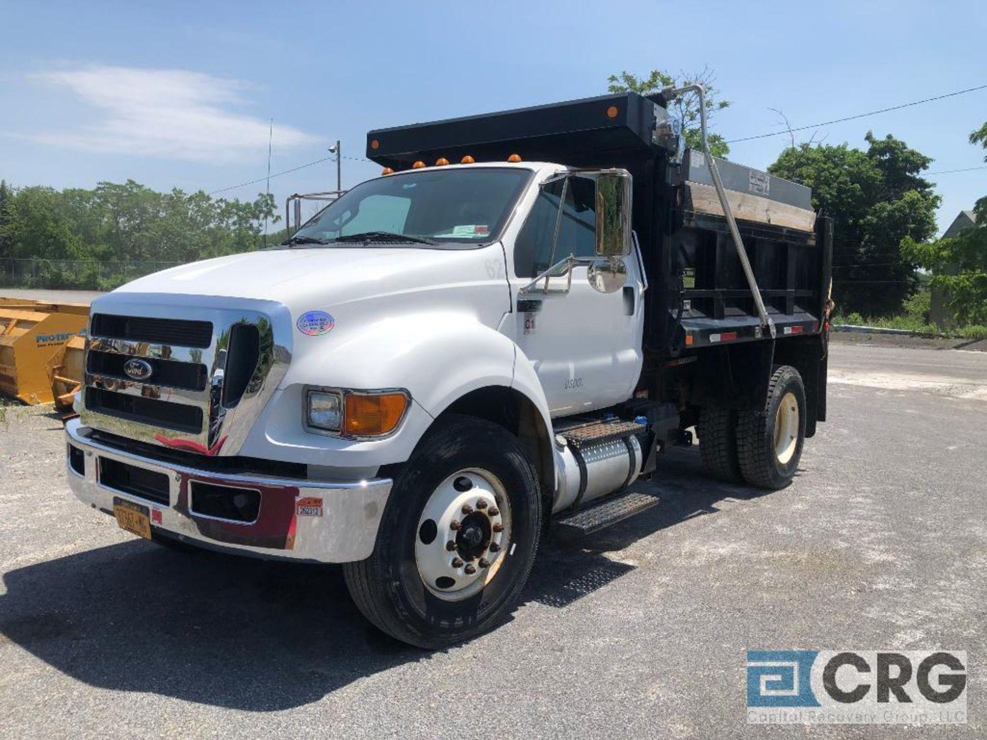 Lot 325 - 2013 Ford F750 SD Dump Truck, 6 Wheel, Steel Dump body, Automatic Transmission, 6000 Miles, vin: