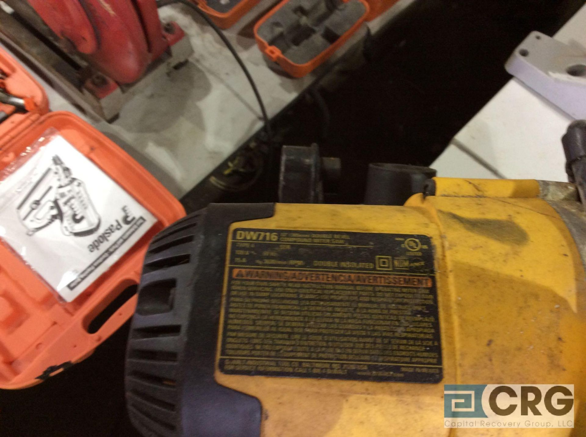 Lot 123 - DeWalt DW716 portable compound mitre saw