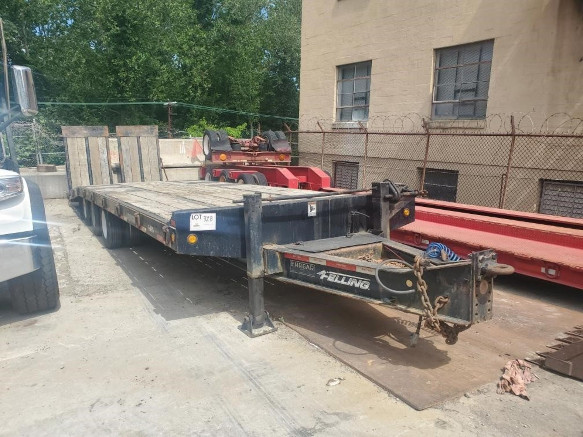 Lot 328 - 2015 Felling FT50-3 Tri-Axle Pintle Hook Deck Over Trailer, 25 Ton capacity, air ride, 24' main deck
