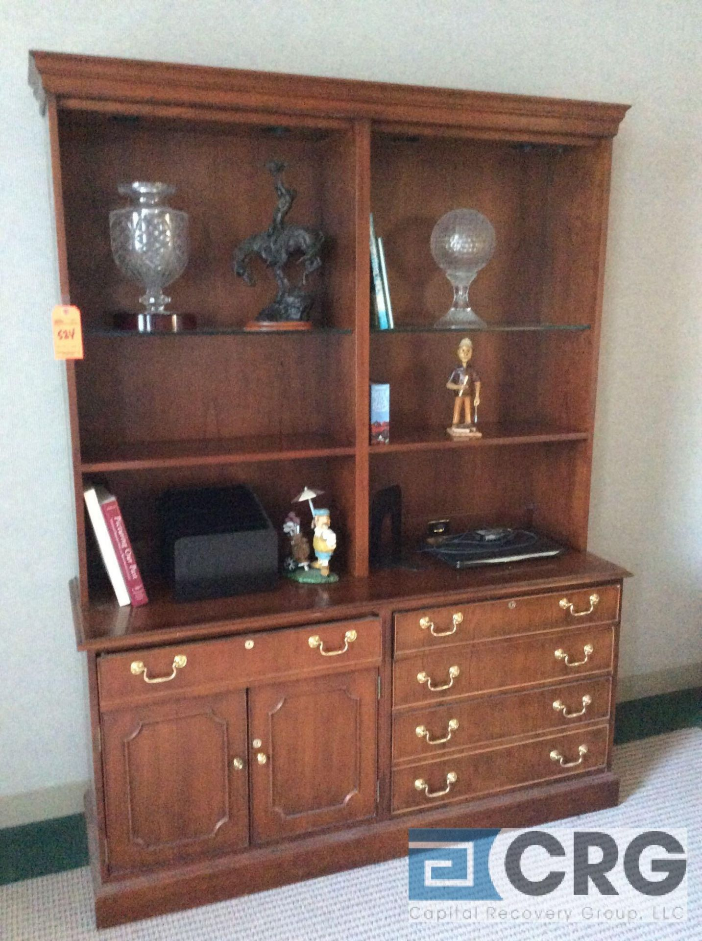 Lot 524 - 5 foot wood hutch (NO CONTENTS)