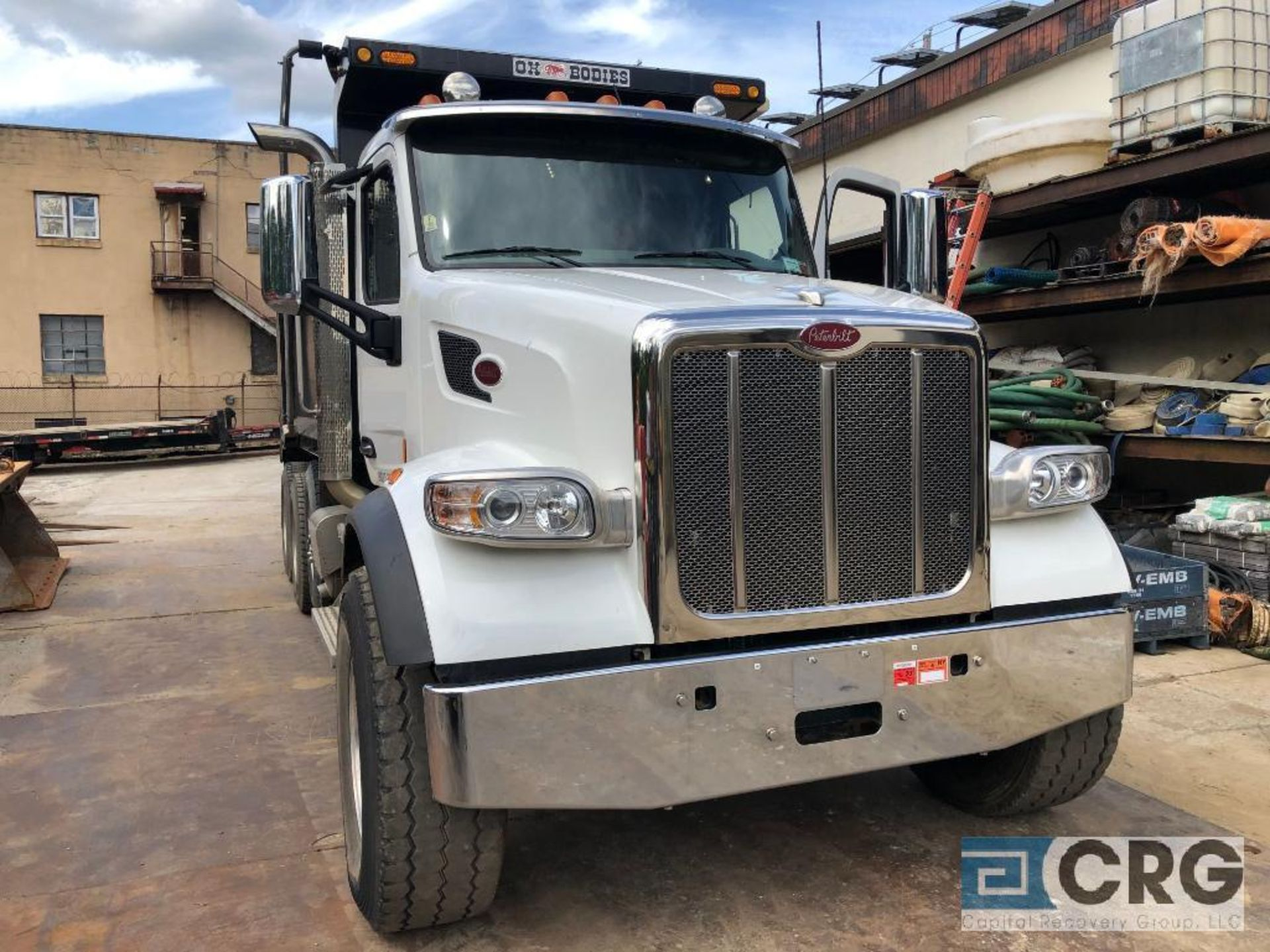 Lot 322 - 2016 Peterbuilt 567 Dump Truck, 20000 lbs Fronts, 46000 lbs Rears, 4:10 Gear Ratio, 18,000 lb