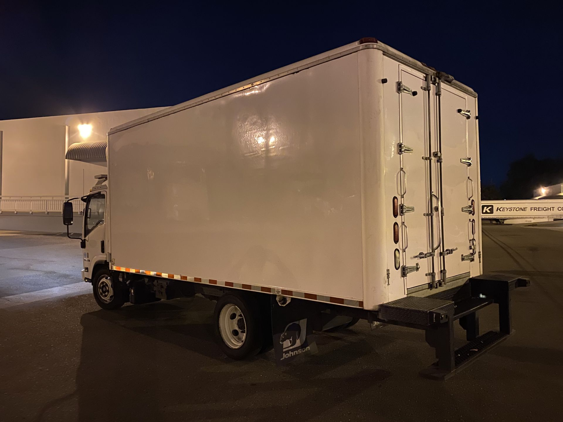 2013 Isuzu refrigerated truck - Image 2 of 9