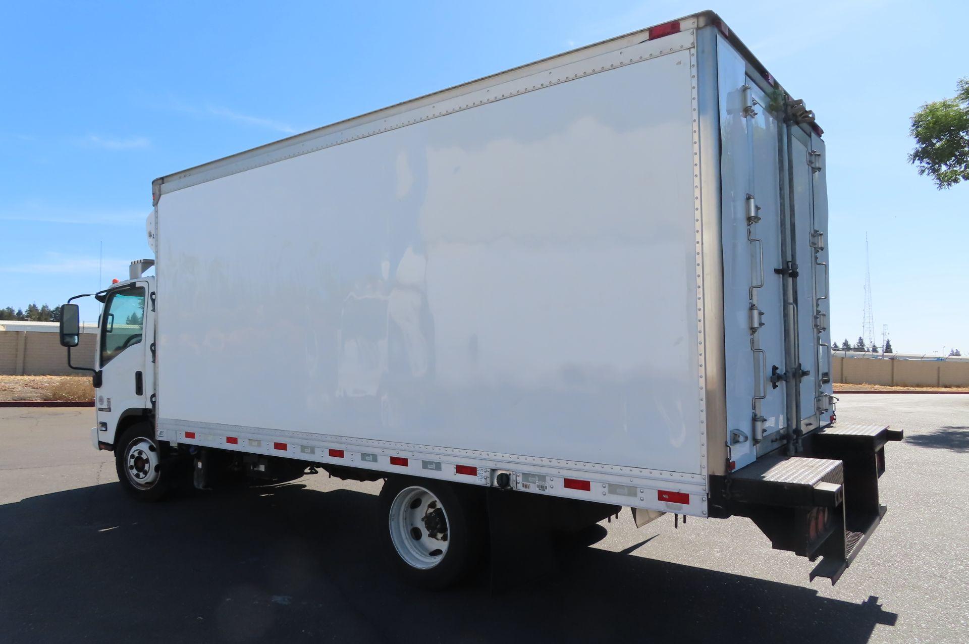 2012 Isuzu refrigerated truck - Image 3 of 10