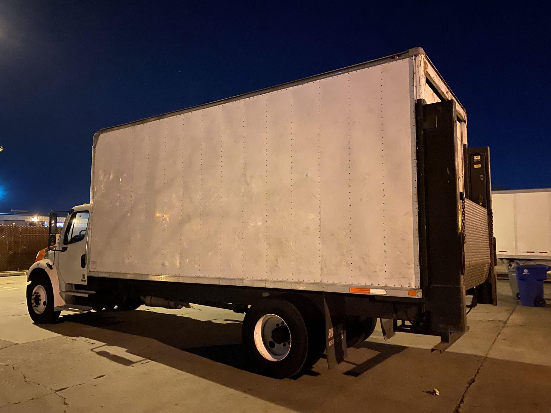2005 Freightliner dry van truck - Image 2 of 5