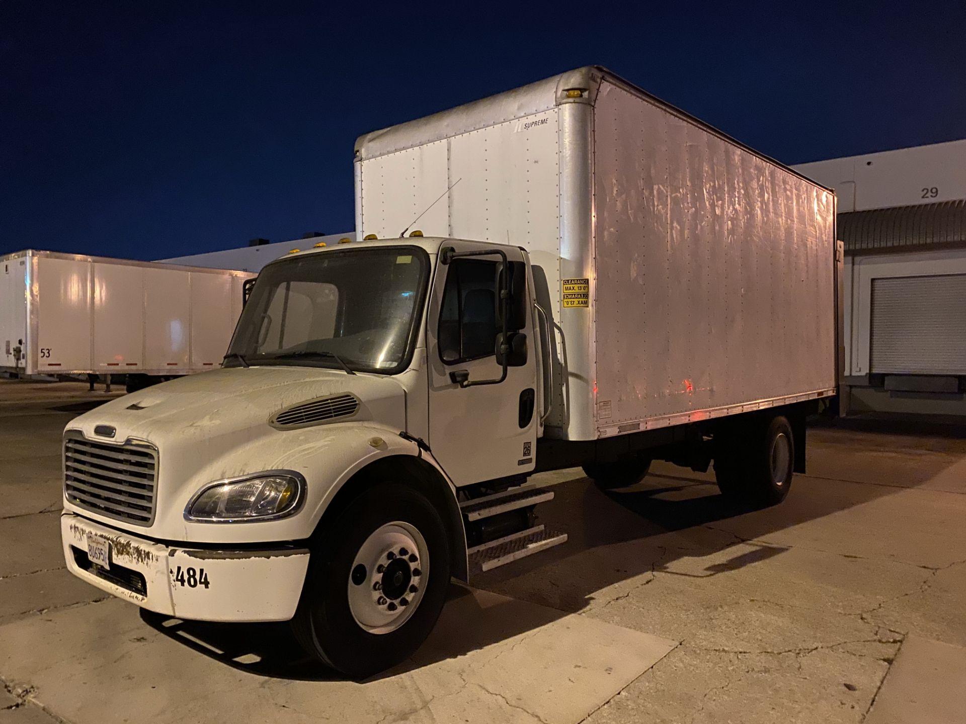 2005 Freightliner dry van truck