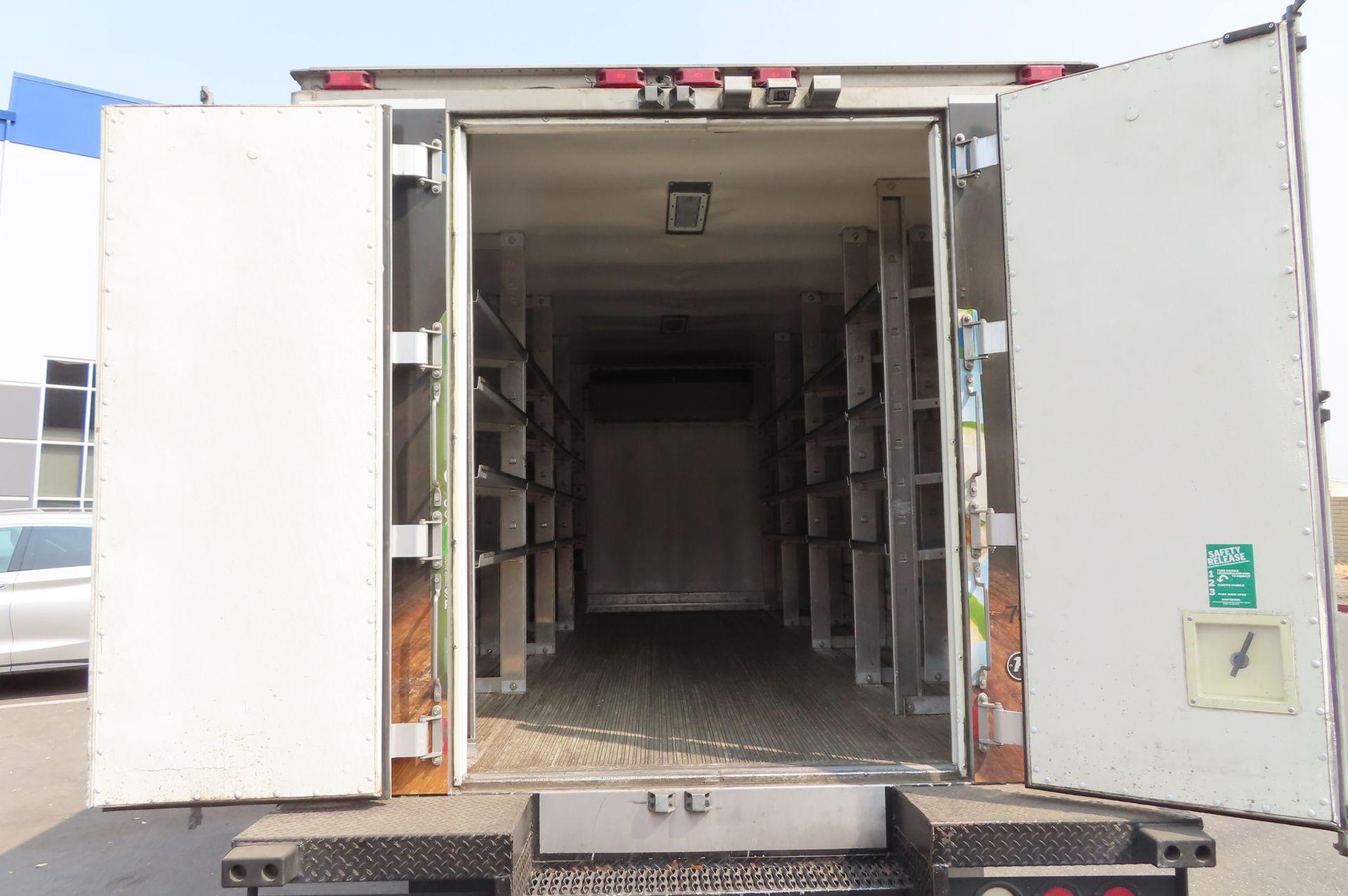 2012 Isuzu refrigerated truck - Image 5 of 10