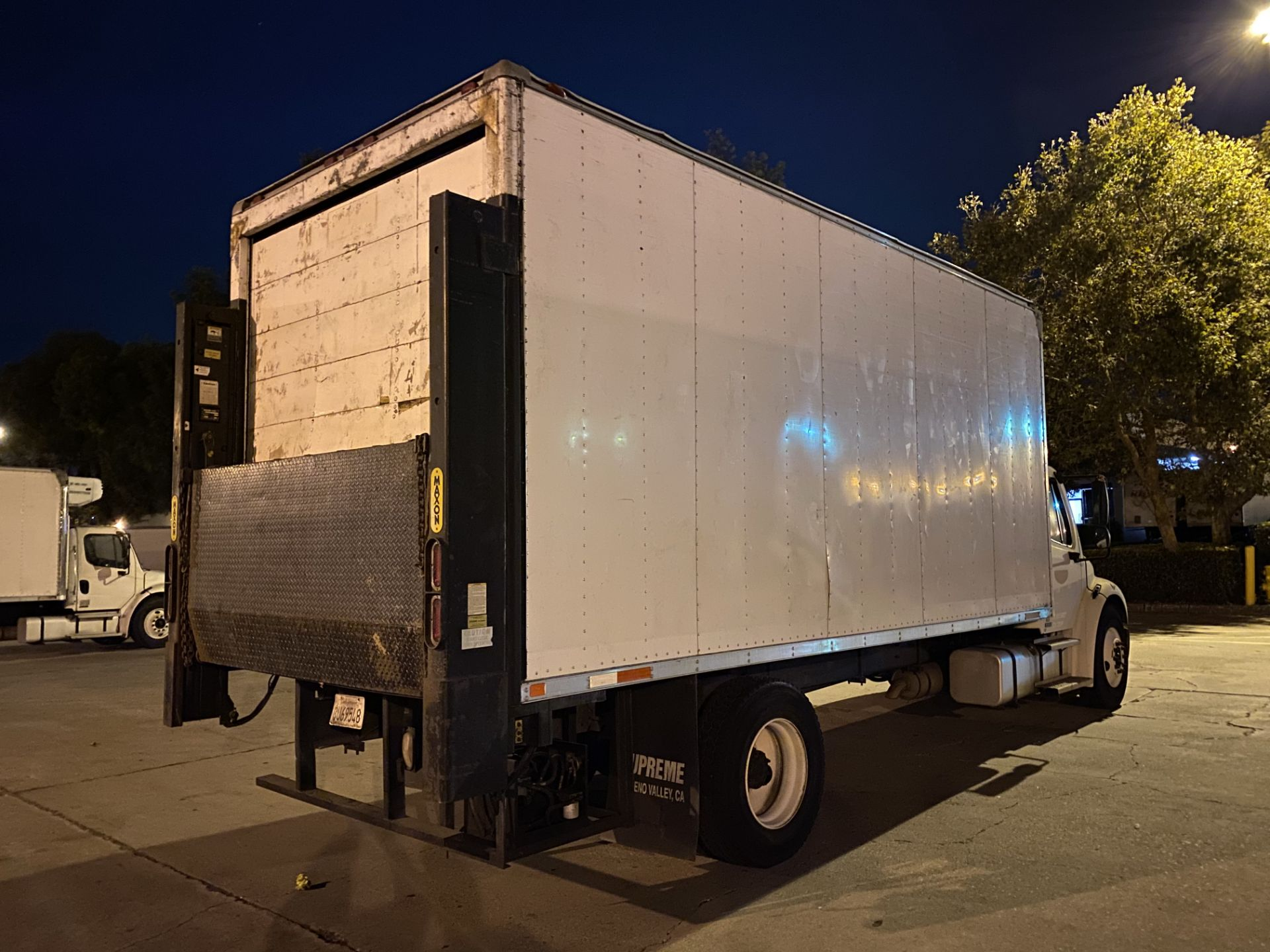 2005 Freightliner dry van truck - Image 3 of 5