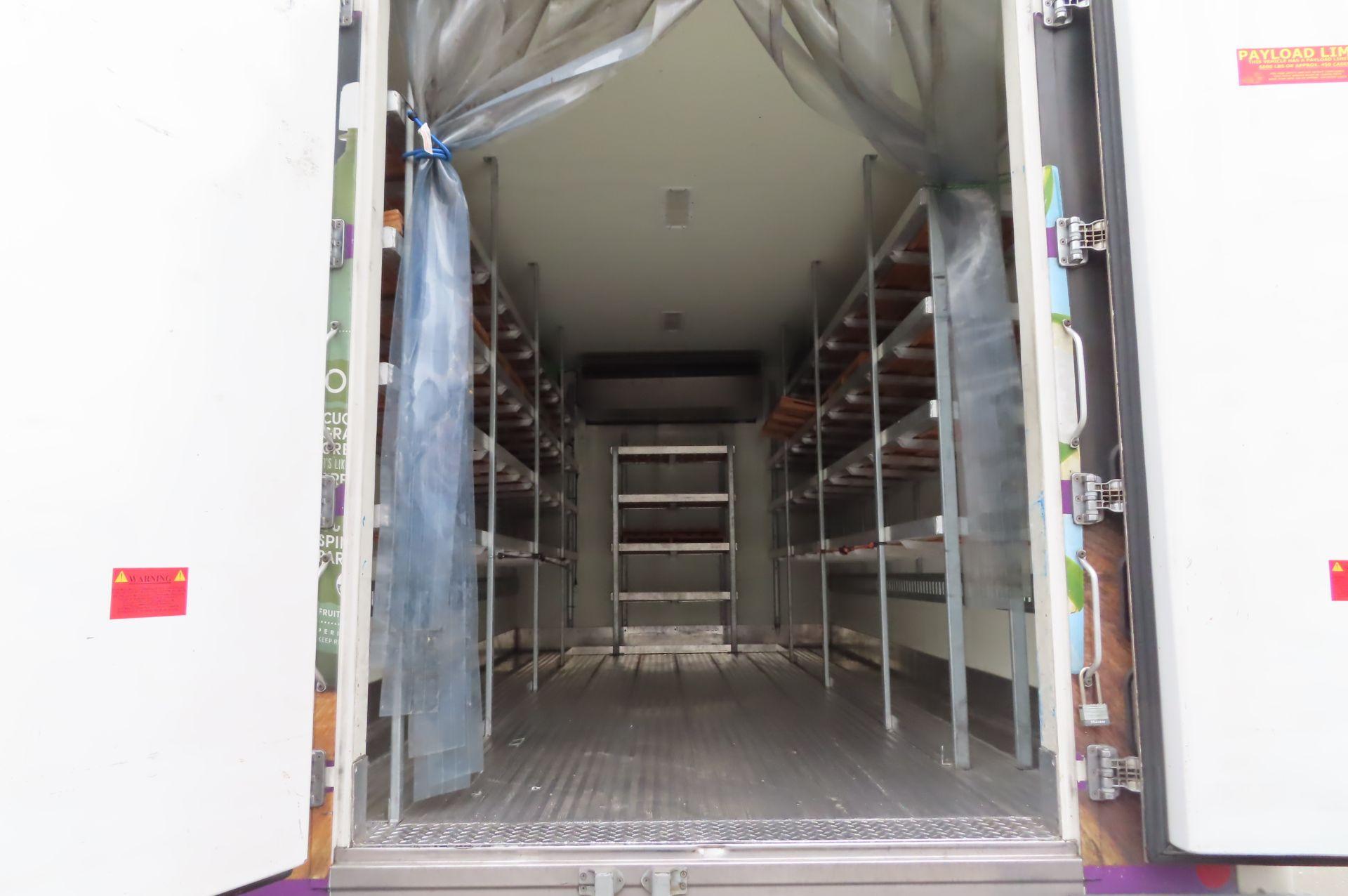 2013 Isuzu refrigerated truck - Image 5 of 9