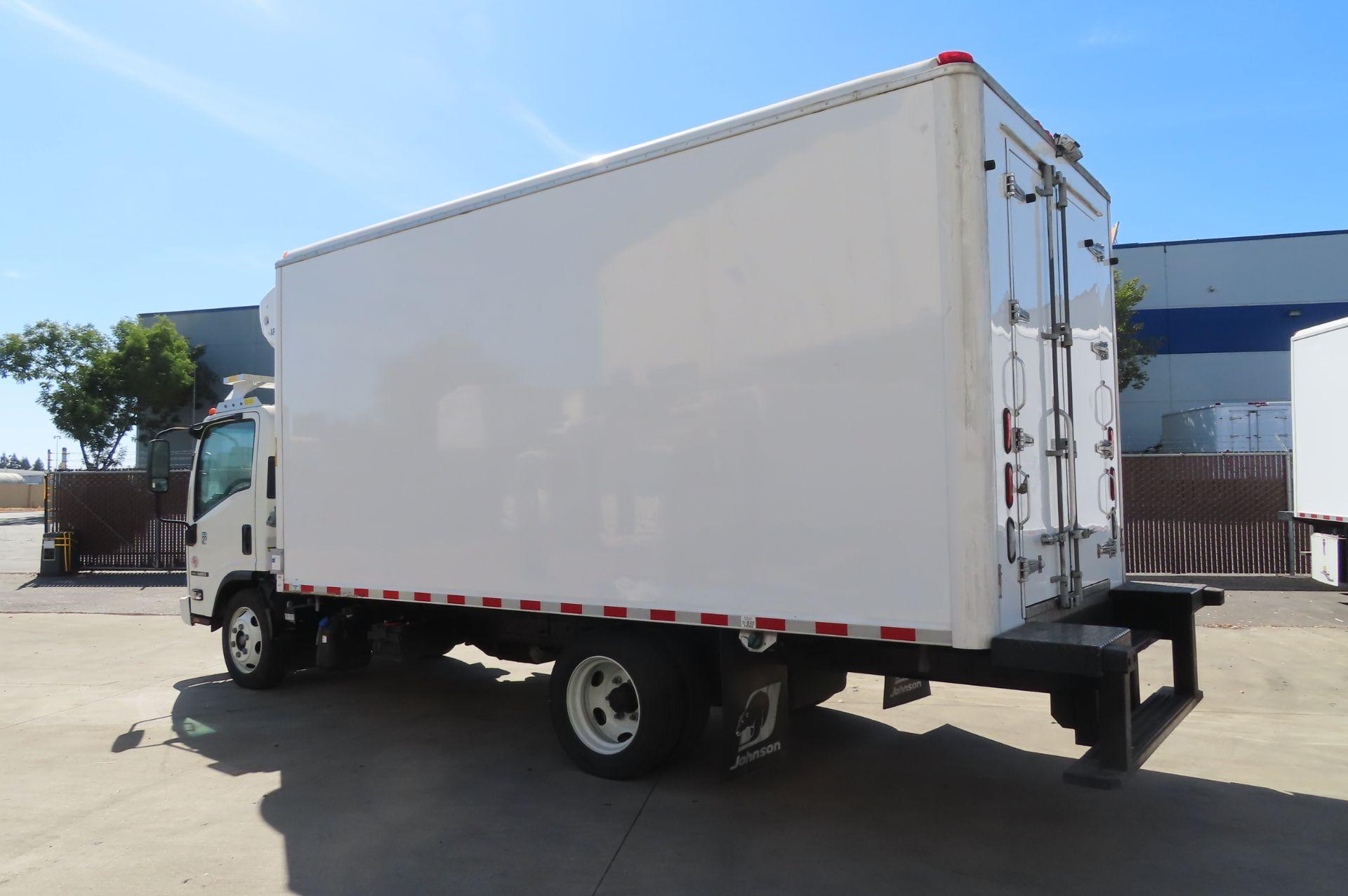 2019 Isuzu refrigerated truck - Image 3 of 6