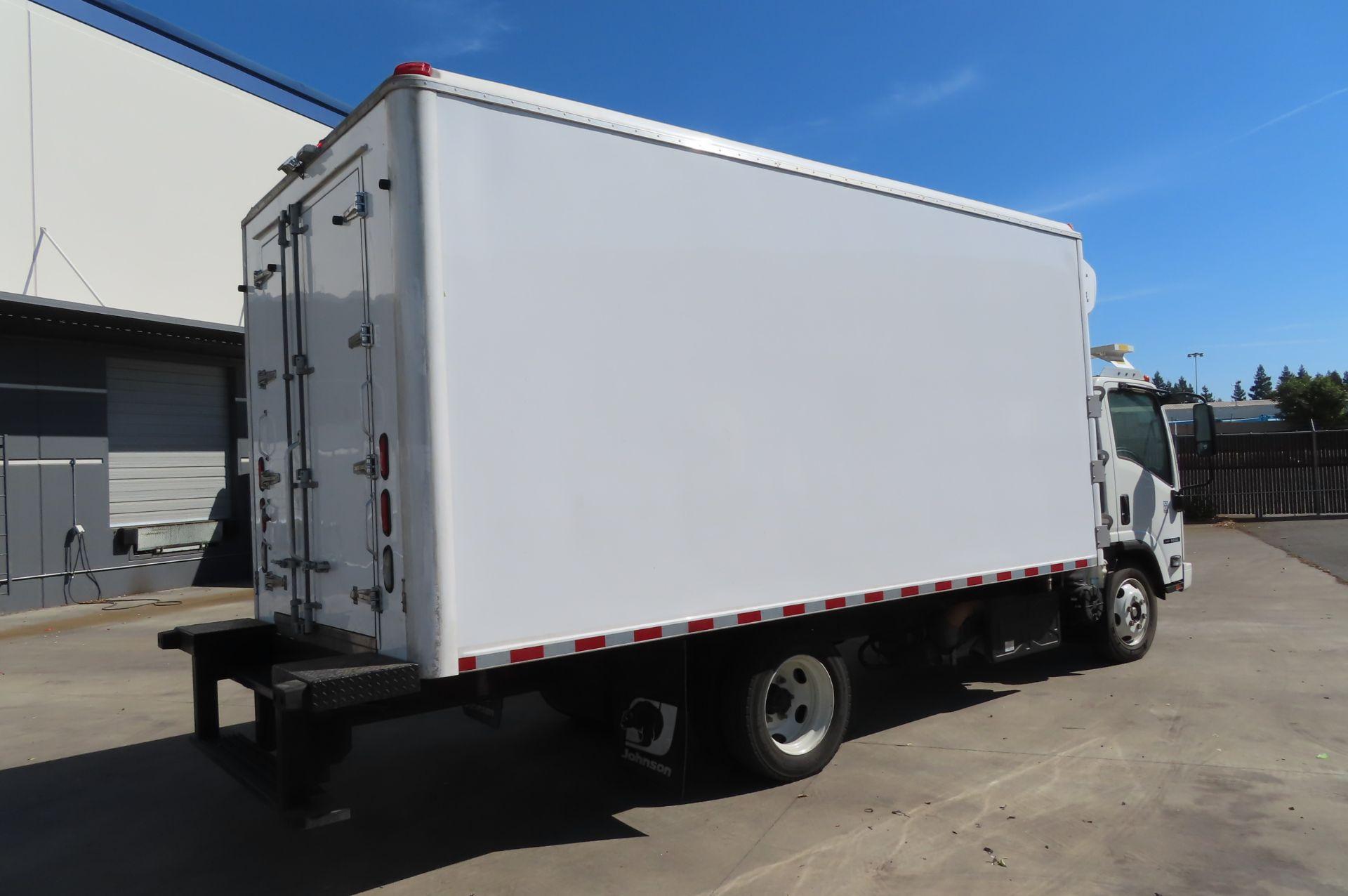 2019 Isuzu refrigerated truck - Image 4 of 6