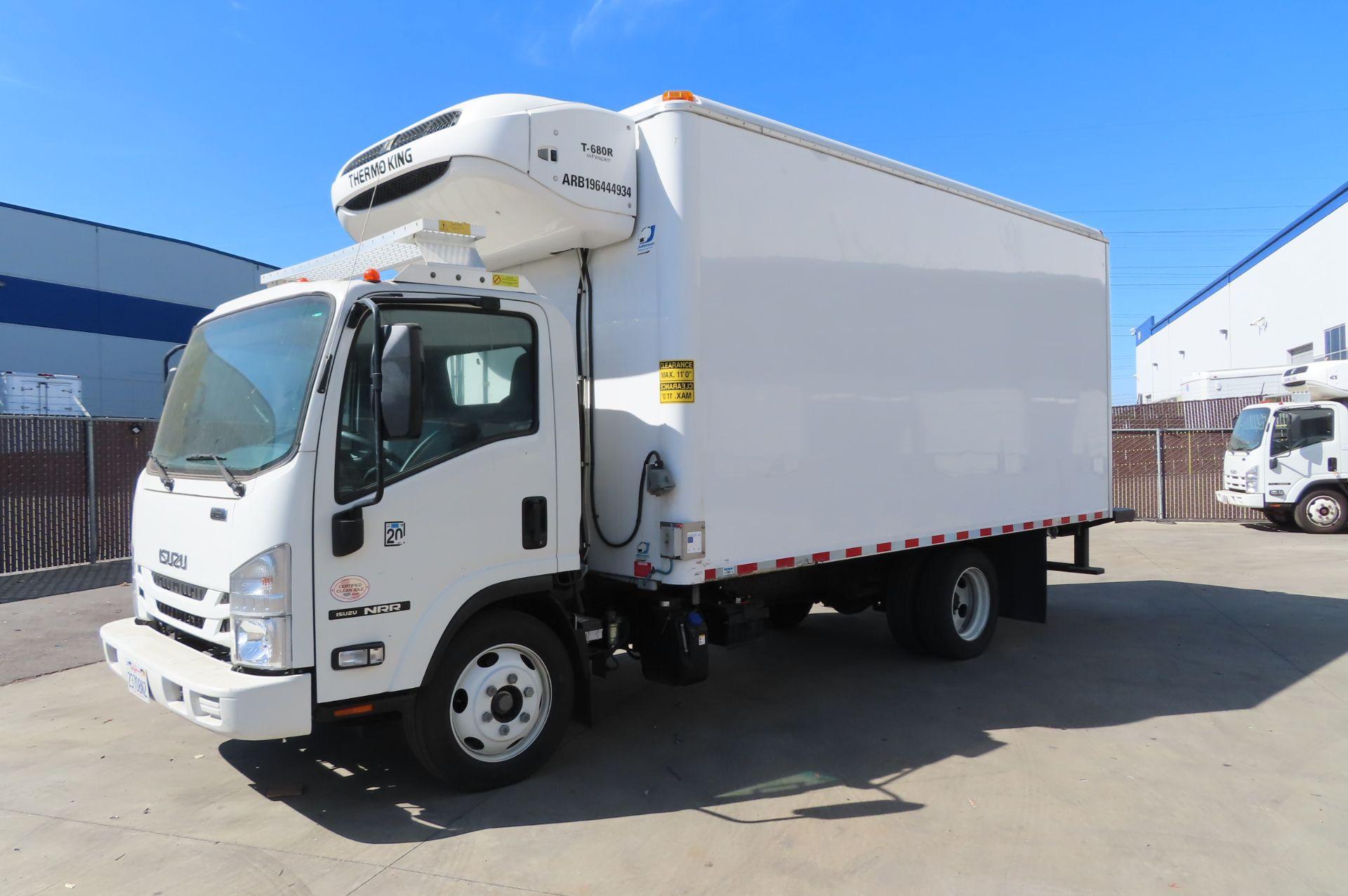 2019 Isuzu refrigerated truck - Image 2 of 6