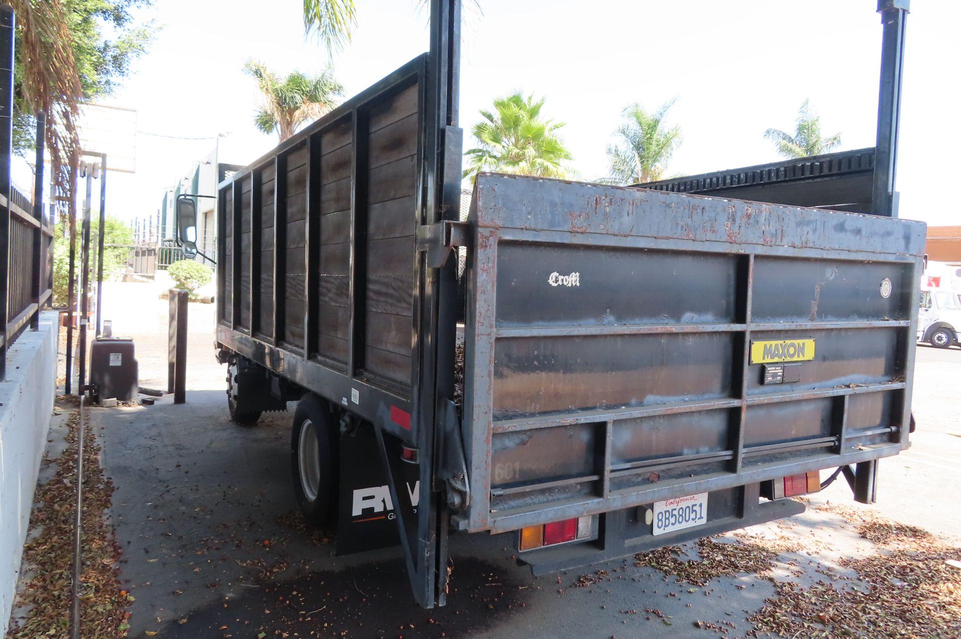 2006 Isuzu flat bed truck - Image 3 of 4