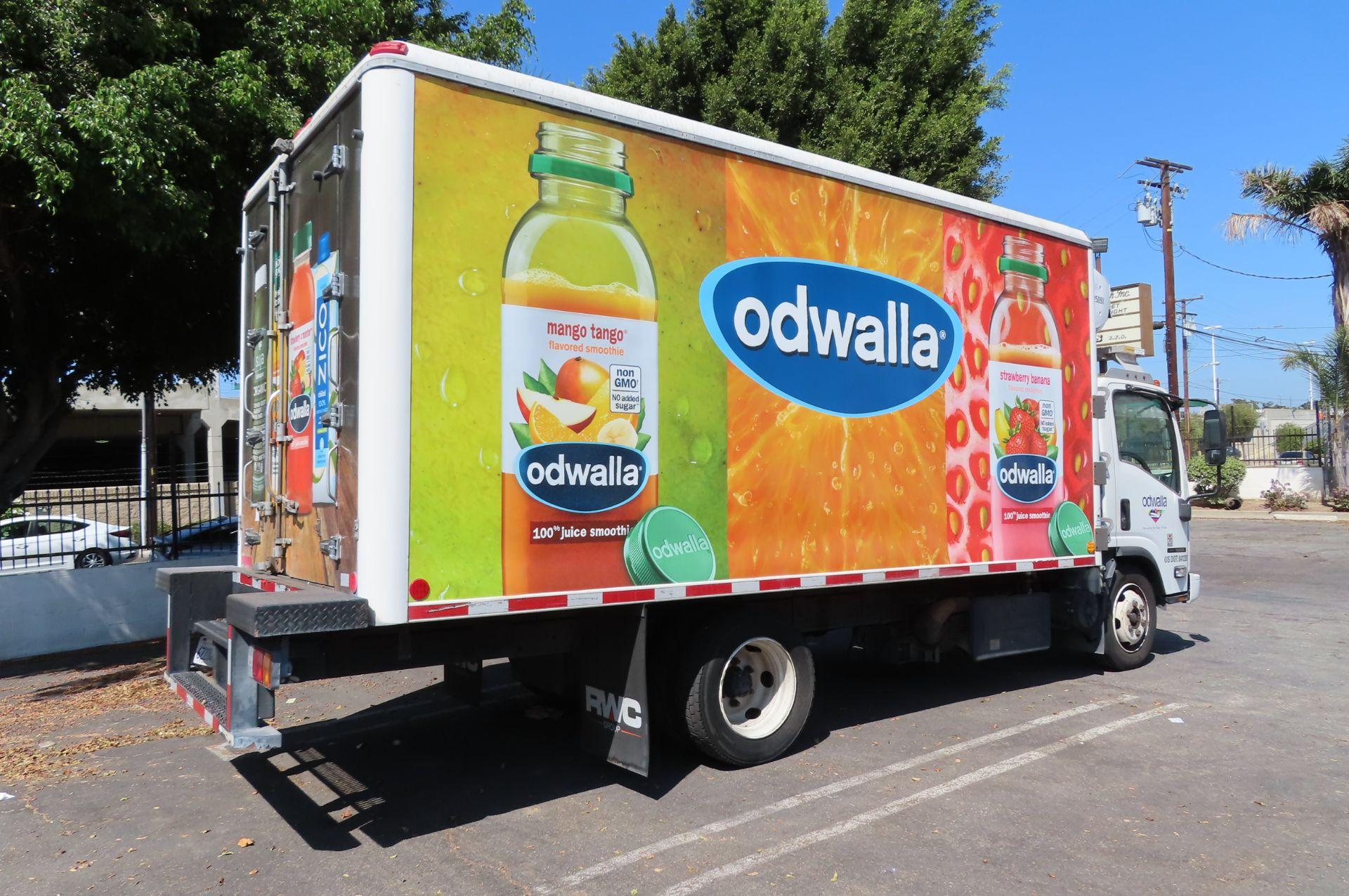 2012 Isuzu refrigerated truck - Image 4 of 10