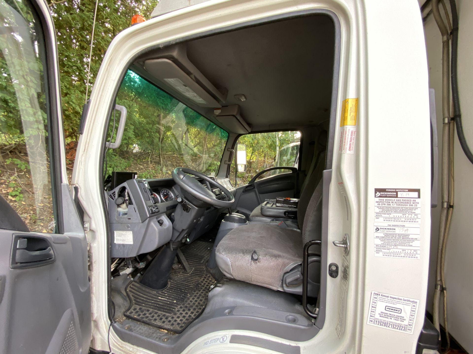 2013 Isuzu refrigerated truck - Image 7 of 9
