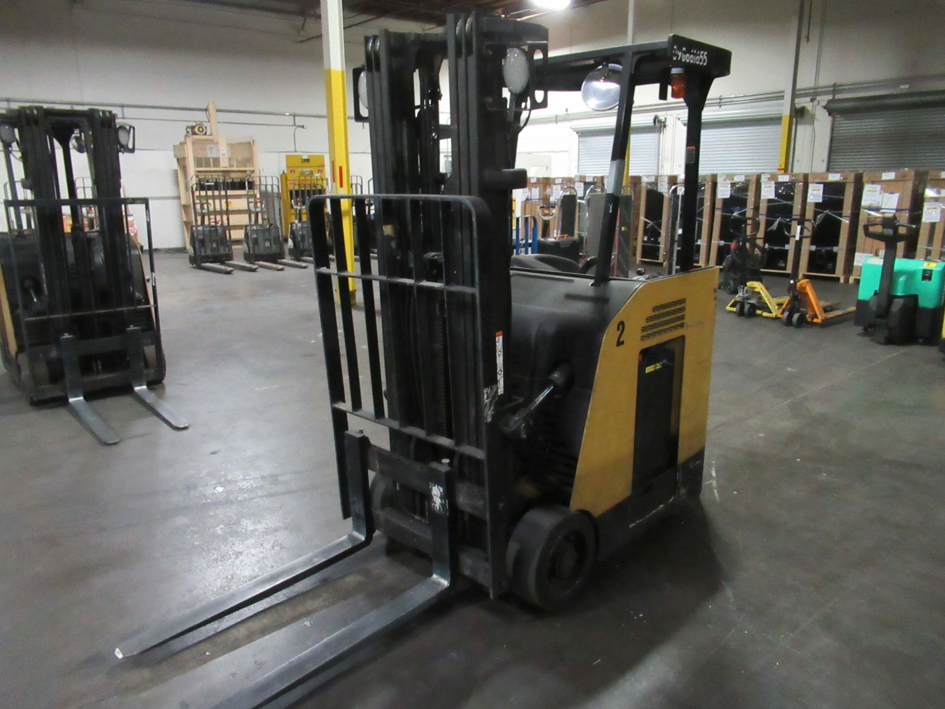Caterpillar Stand-up Truck - Image 3 of 8