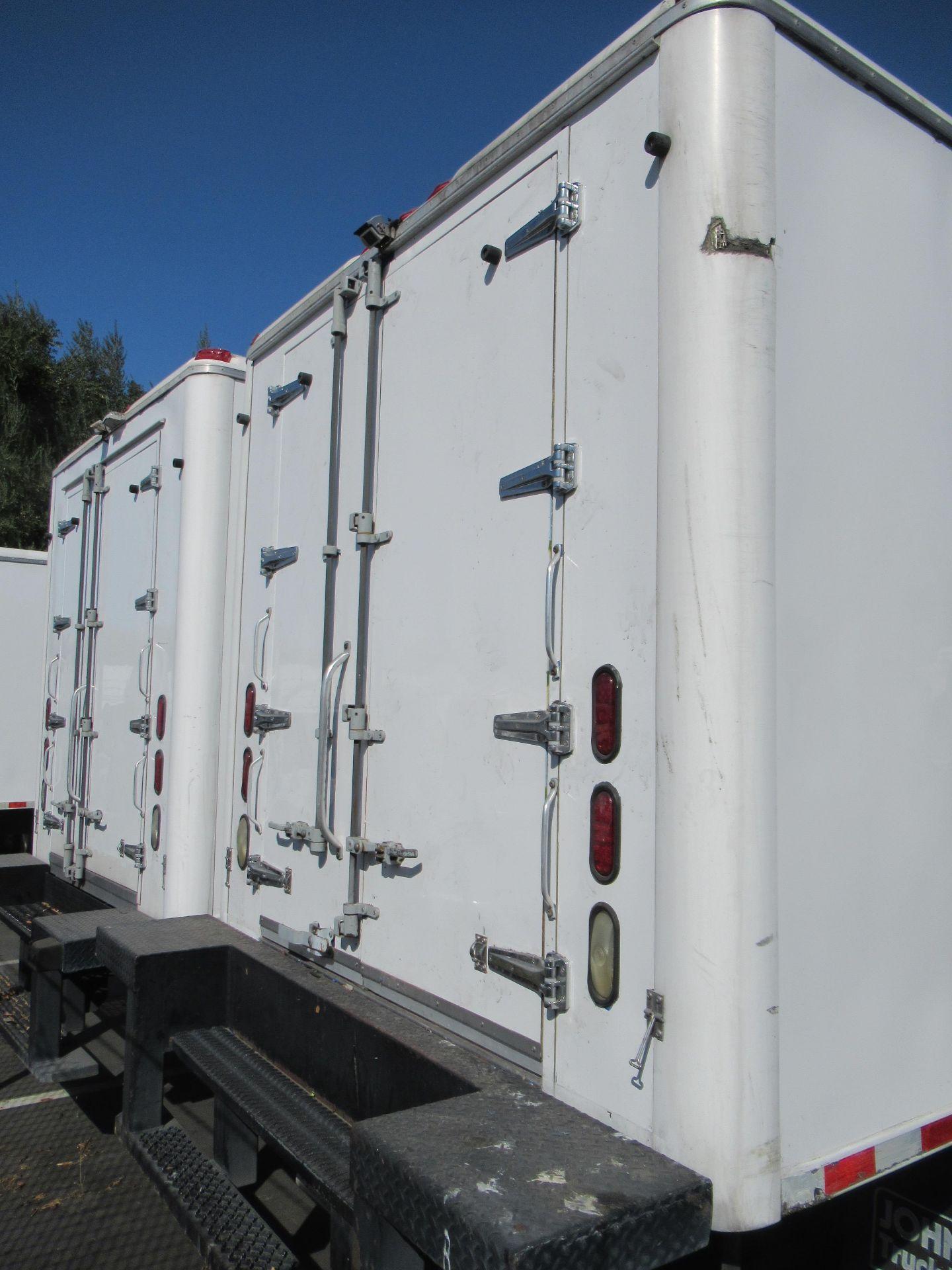 2013 Isuzu refrigerated truck - Image 5 of 10