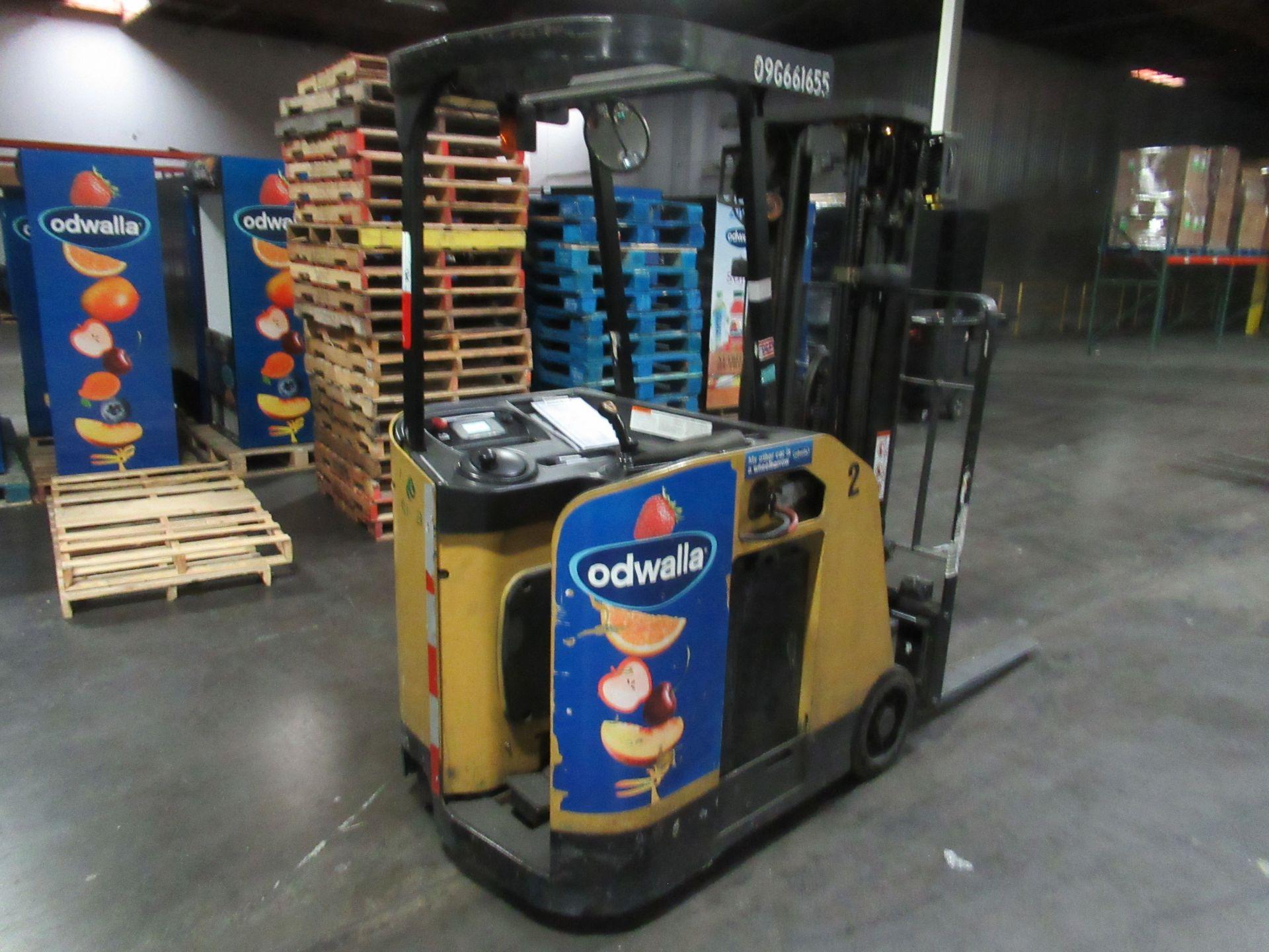 Caterpillar Stand-up Truck