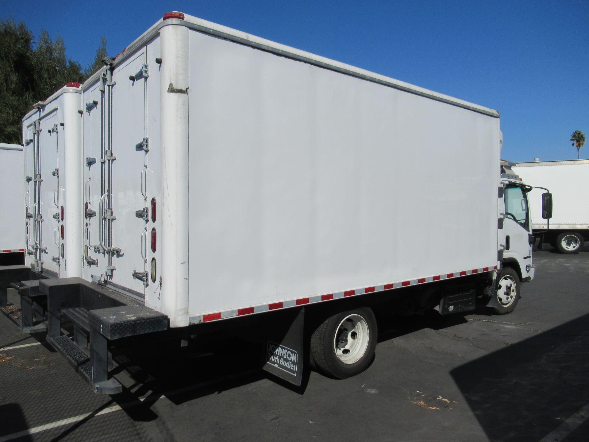 2013 Isuzu refrigerated truck - Image 2 of 10