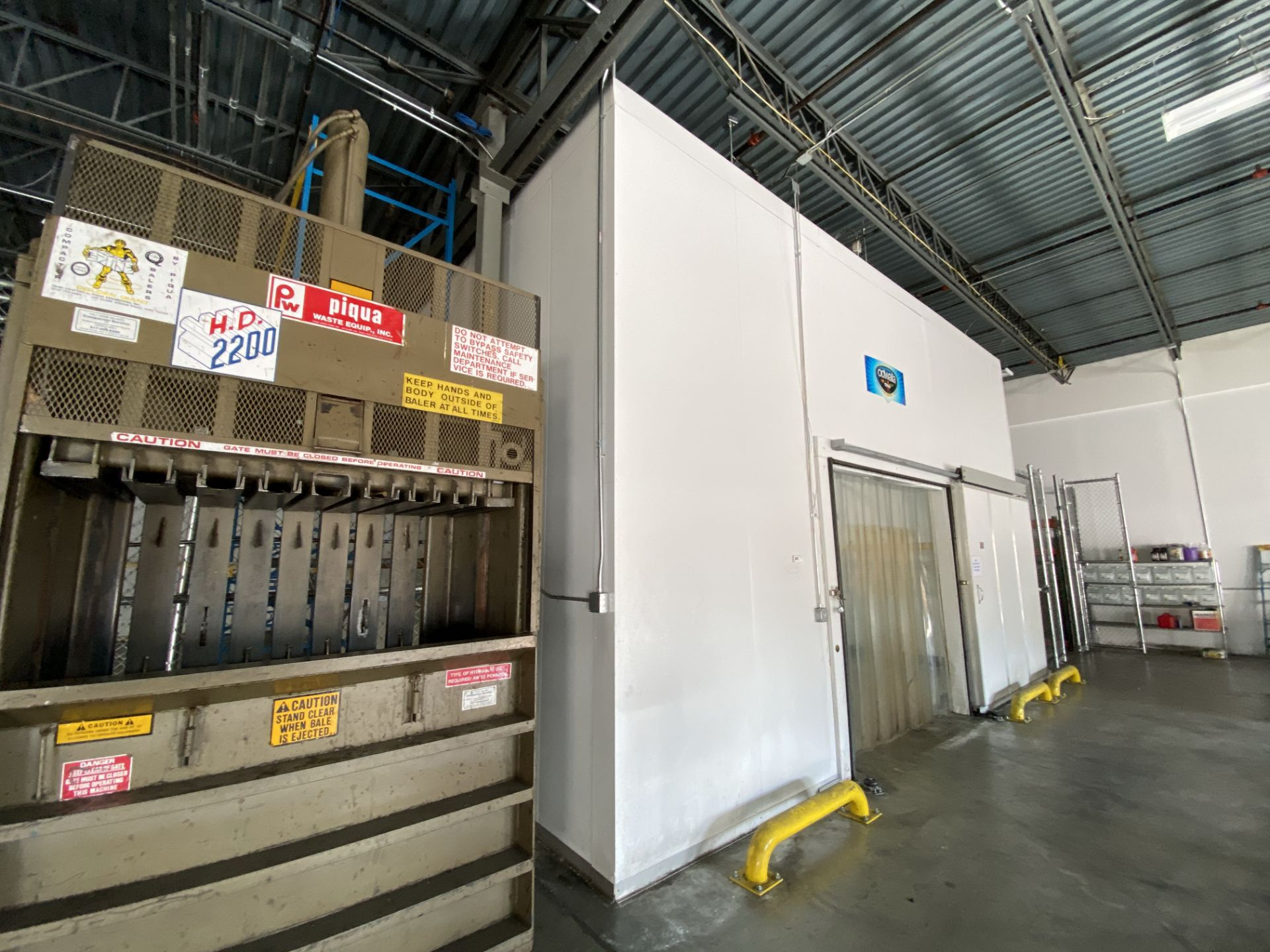 AIP (American Insulated Panel) drive in panel system free standing cooler, 50' X 25' X 18' clear - Image 4 of 8