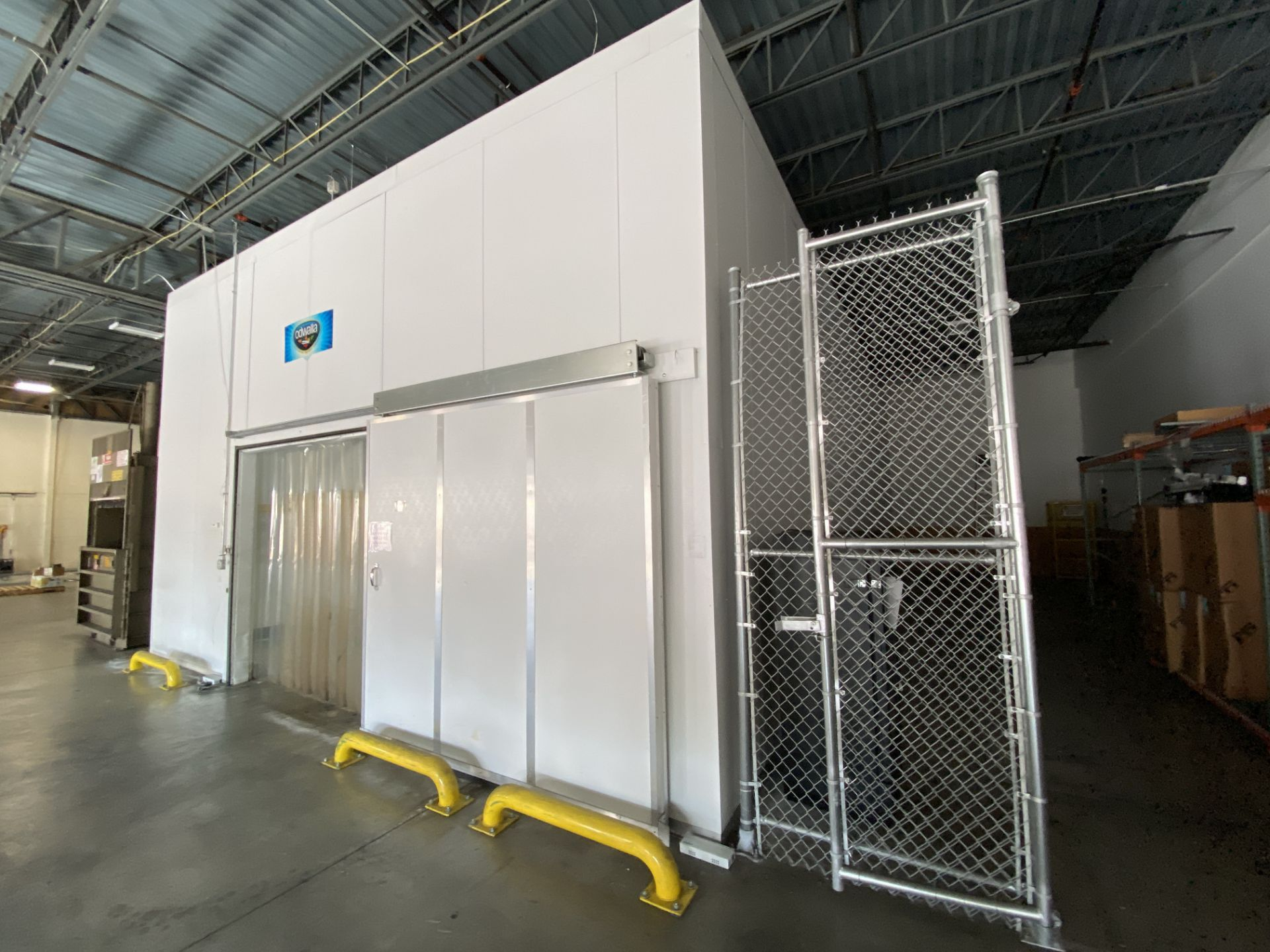 AIP (American Insulated Panel) drive in panel system free standing cooler, 50' X 25' X 18' clear - Image 2 of 8