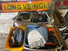 Assorted car spares and automobilia (qty)