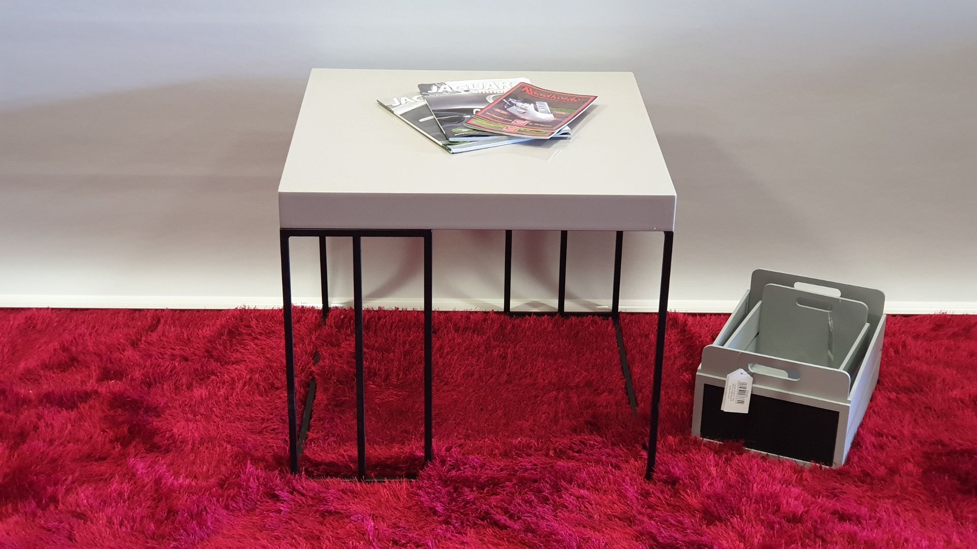 Lot 21 - BRAND NEW HIGH GLOSS AVORIO MDF TABLE 590 X 590 X 500MM RRP £99