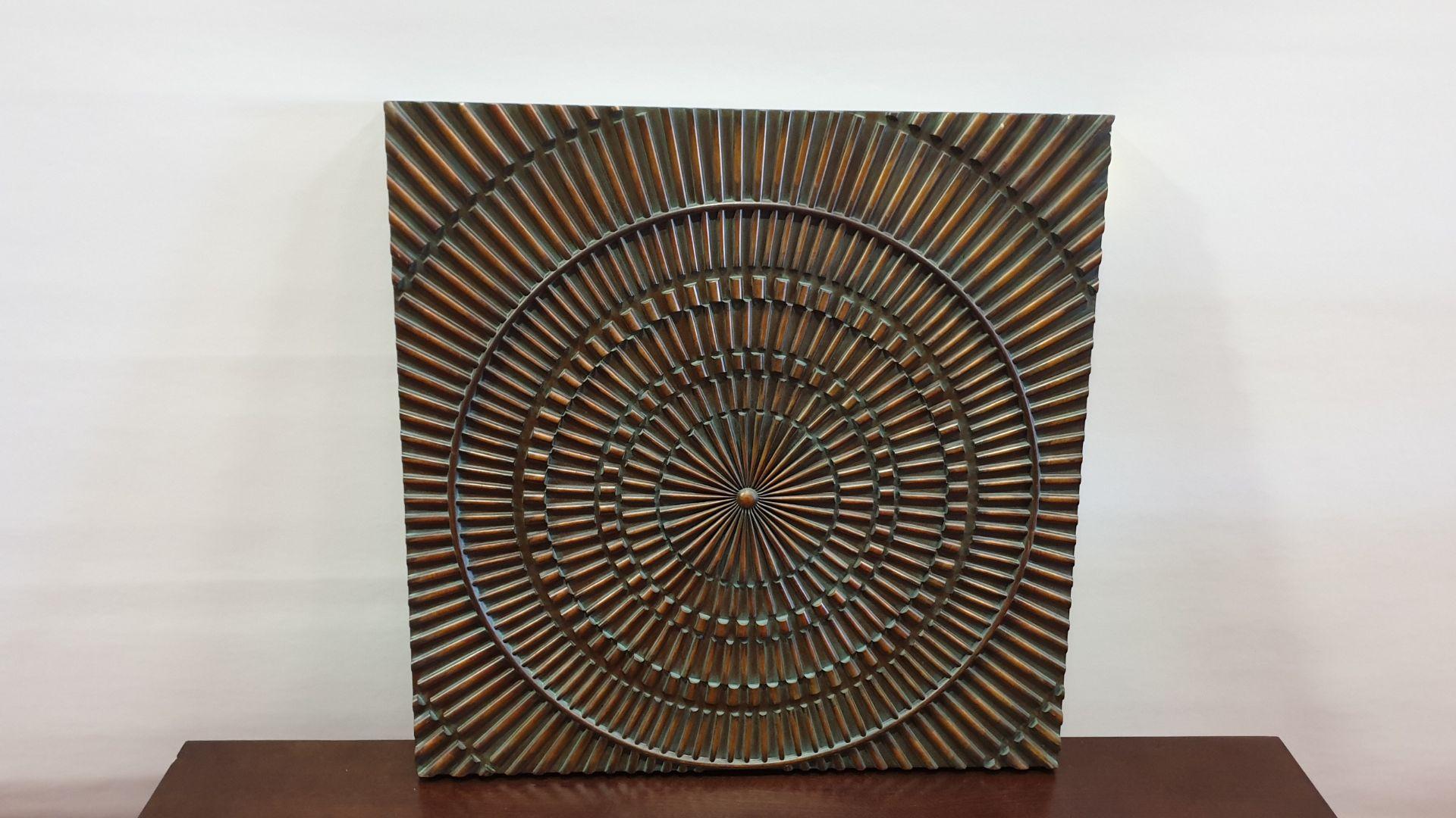 Lot 209 - WOODEN ART WORK SCULPTURE SIZE 760 X 760 X 40MM RRP £300