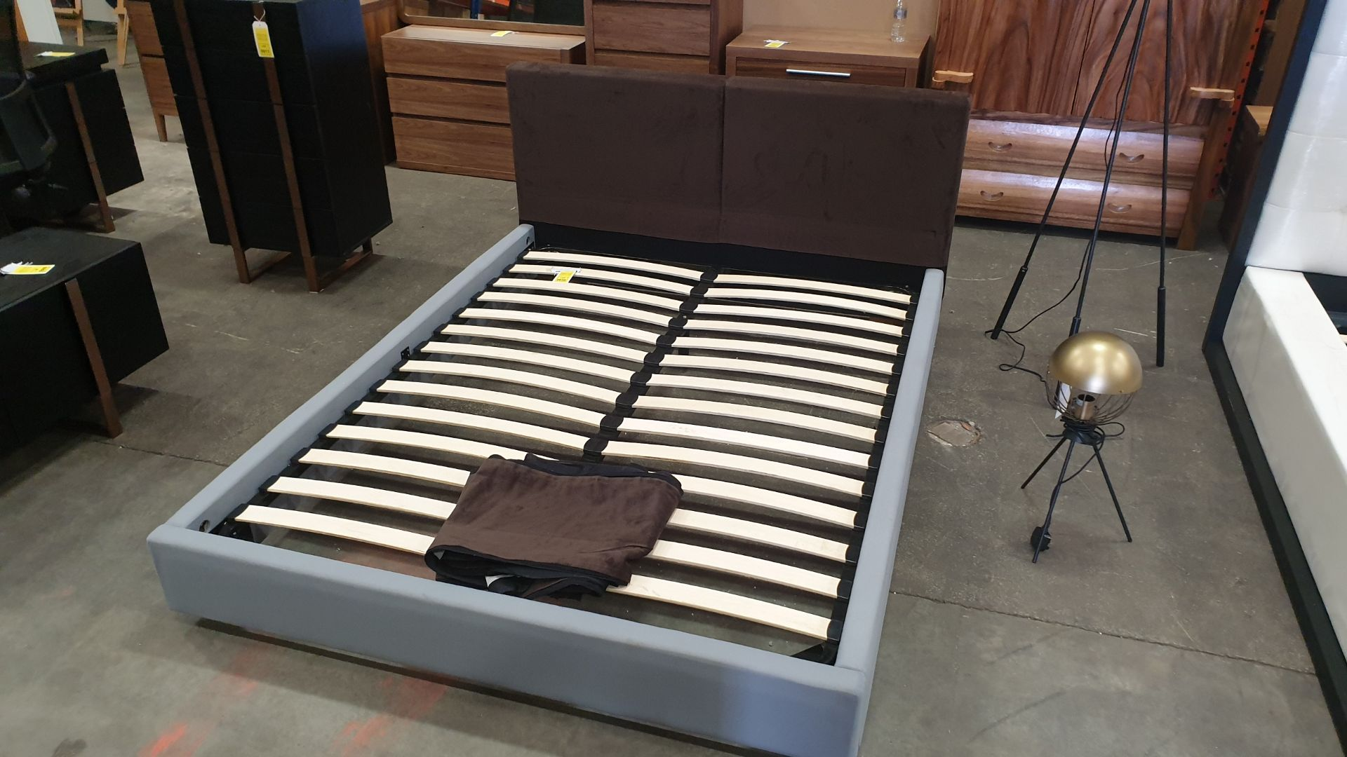 Lot 36 - BRAND NEW UPHOLSTERED MDF OAT/BROWN BED 1500 X 2000MM RRP £1249