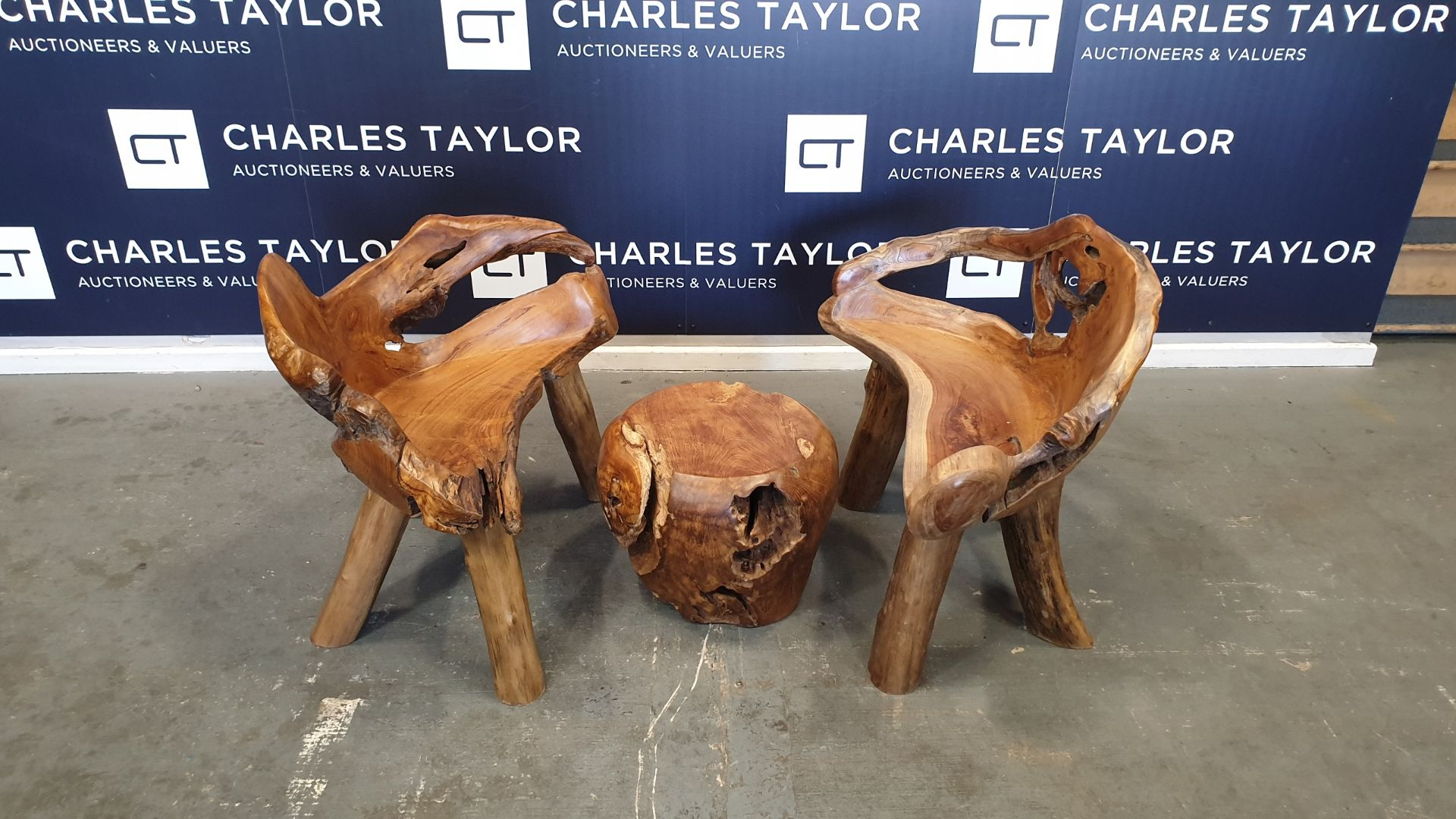 Lot 24 - BRAND NEW SOLID TEAK ROOT WOODEN ROUND COFFEE TABLE AND CHAIRS DIA - 50CM RRP £765