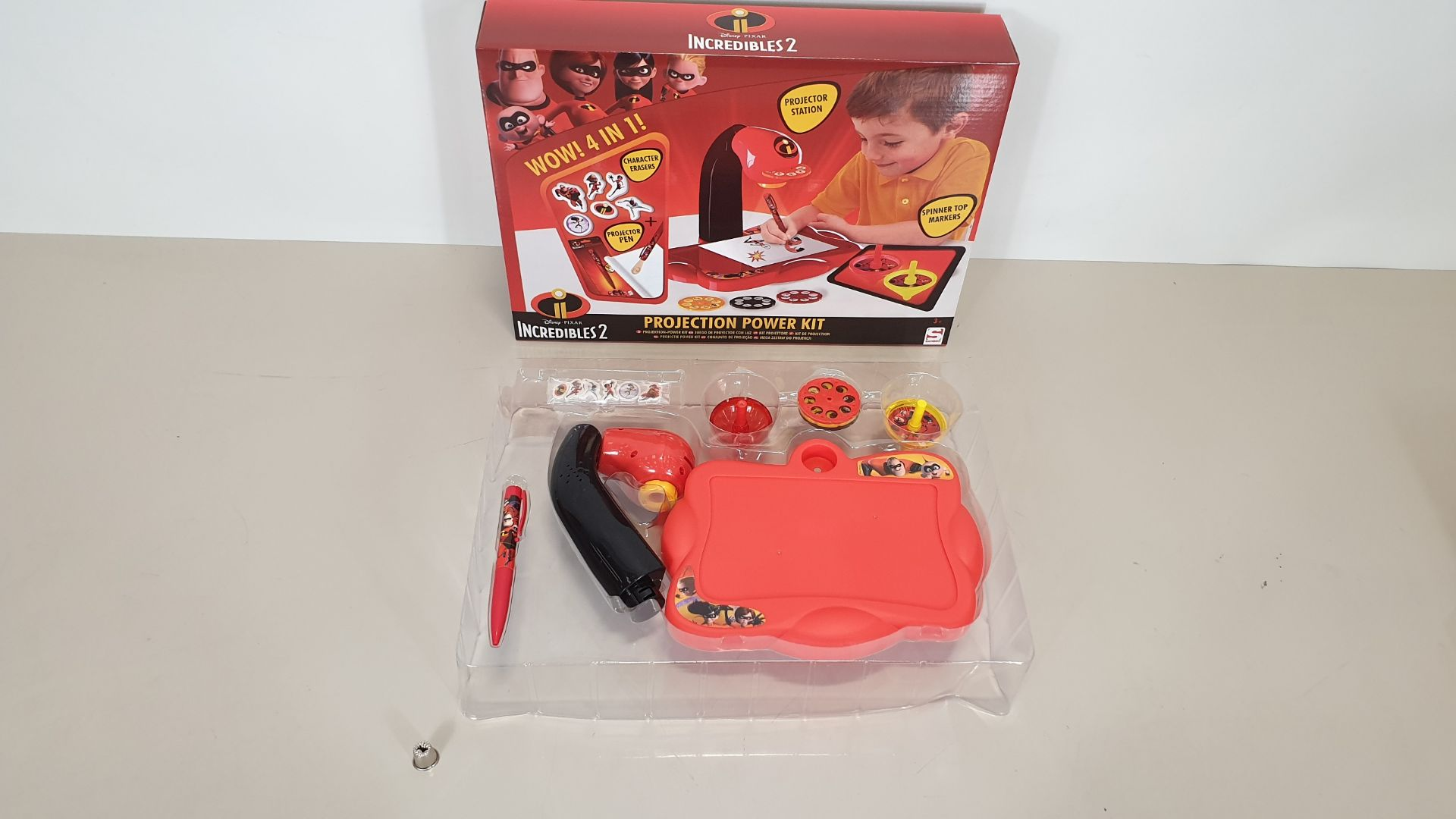 Lot 40 - 60 X BRAND NEW DISNEY PIXAR INCREDIBLES 2 WOW 4 IN 1 PROJECTION POWER KIT, INCLUDES PROJECTION