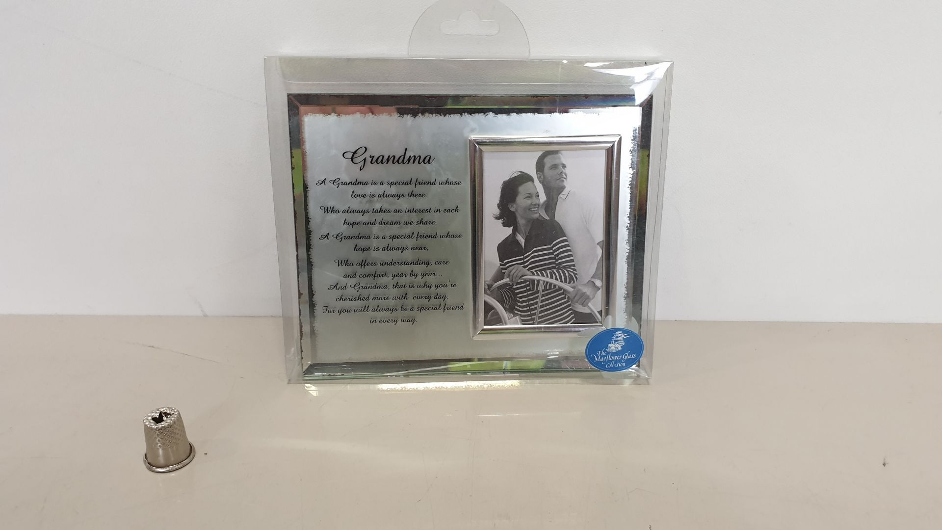 Lot 617 - 112 X BRAND NEW 'THE MAYFLOWER GLASS COLLECTION' GRANDMA MESSAGE FRAME - IN 2 BOXES AND 16 LOOSE