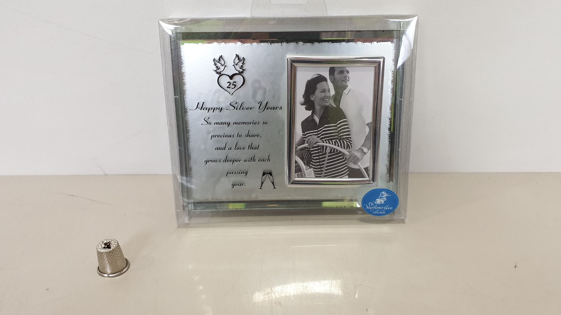 Lot 640 - 144 X BRAND NEW 'THE MAYFLOWER GLASS COLLECTION' SILVER ANNIVERSARY FRAME 'HAPPY SILVER YEARS' -
