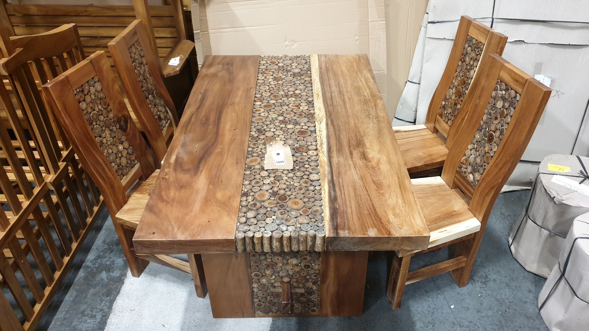 Lot 1095 - BRAND NEW SOLID SUAR WOODEN 5 PIECE COIN TABLE SET 160 X 95 X 76 RRP £1250