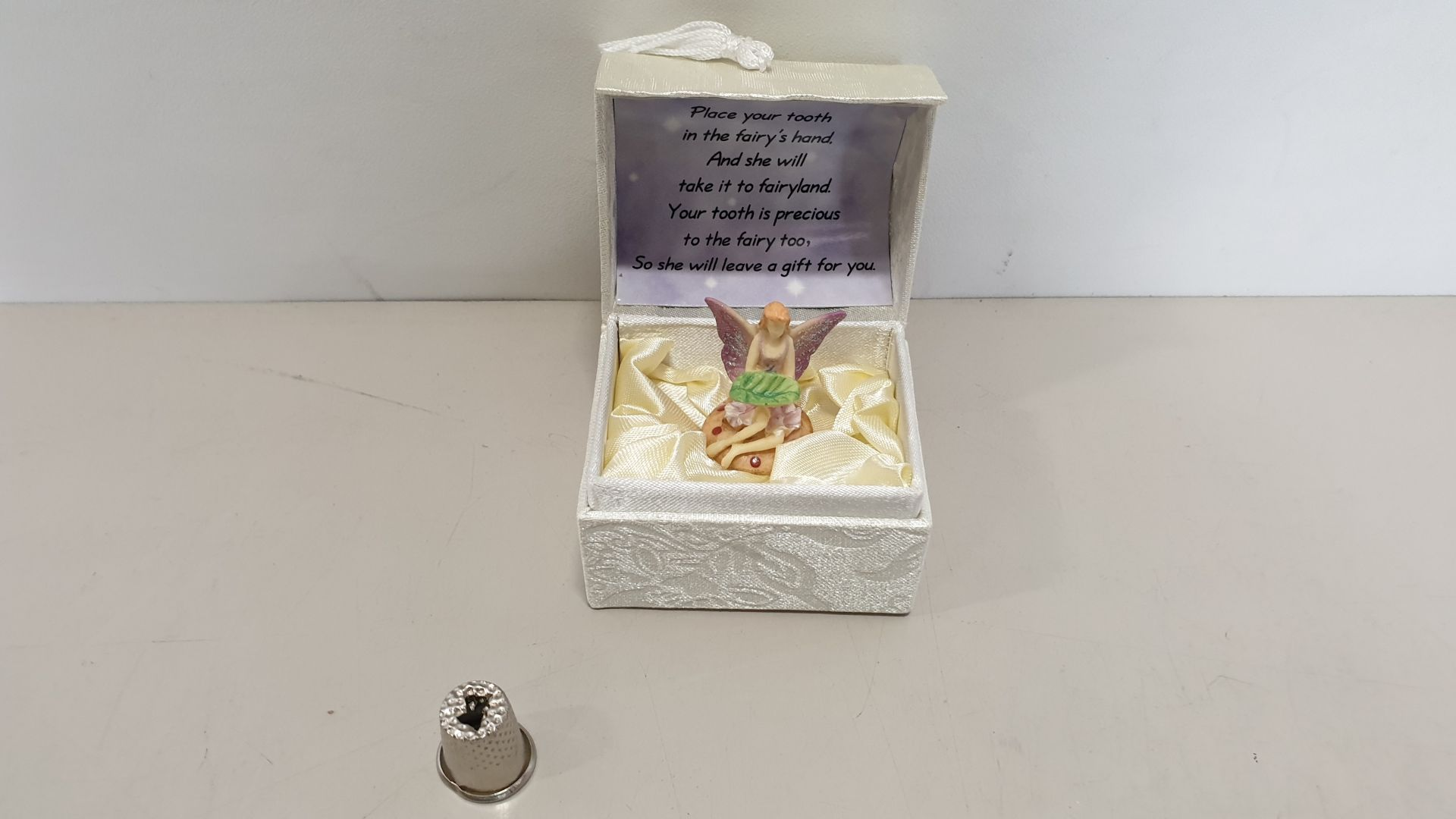 Lot 636 - 192 X BRAND NEW 'YOUR TOOTH BOX' WITH MESSAGE AND FAIRY CERAMIC FIGURE - IN 2 BOXES