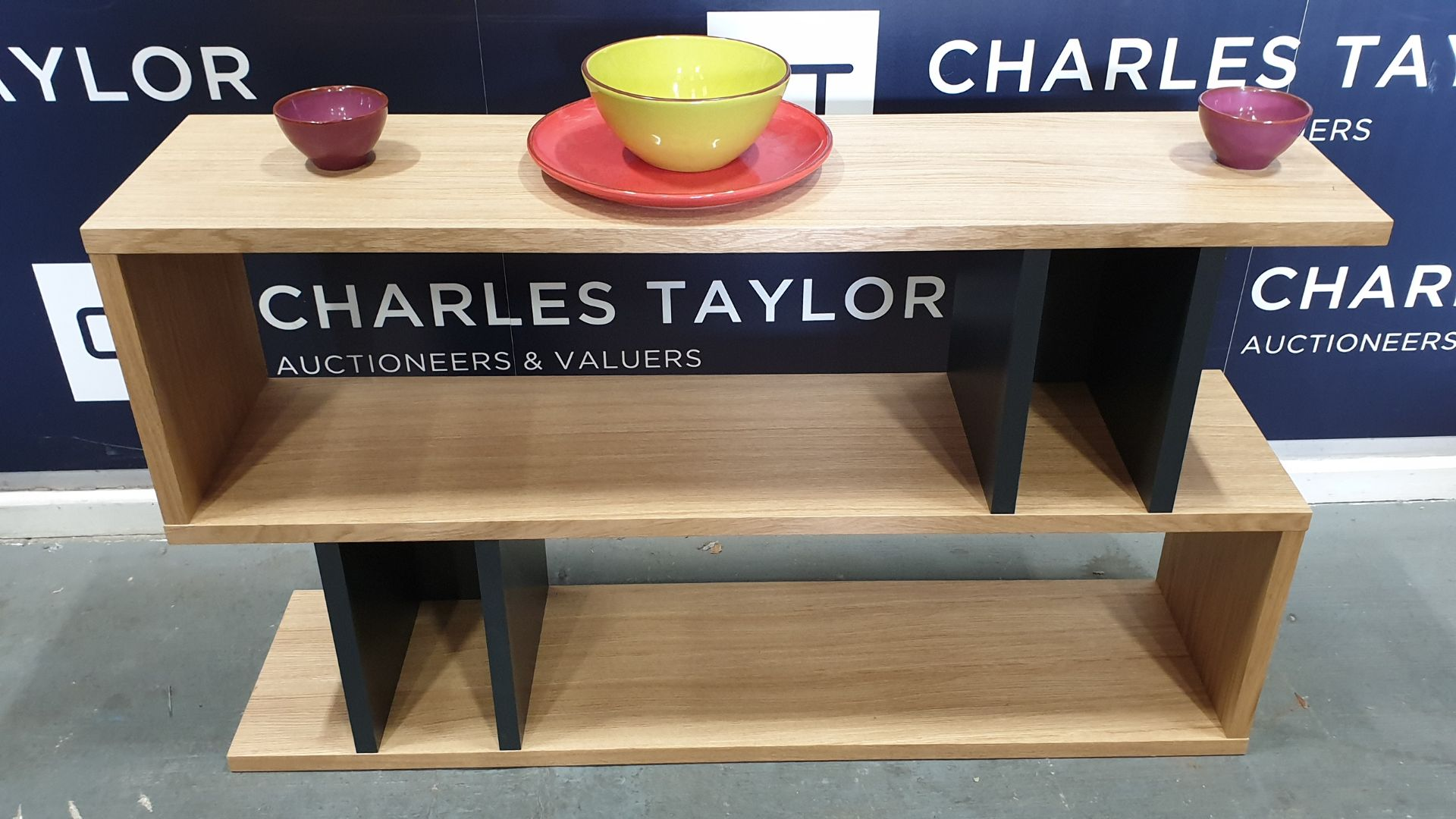 Lot 1116 - BRAND NEW BOXED CONTENT BY TERENCE CONRAN WOODEN COUNTER BALANCE, LOW SHELVING UNIT IN OAK/