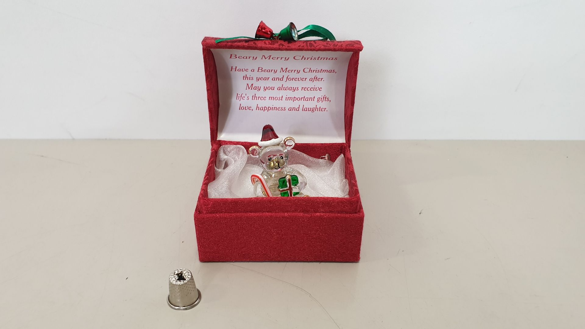Lot 600 - 144 X BRAND NEW MAYFLOWER COLLECTABLES BEARY MERRY CHRISTMAS GLASS BEAR BOX - IN 4 BOXES