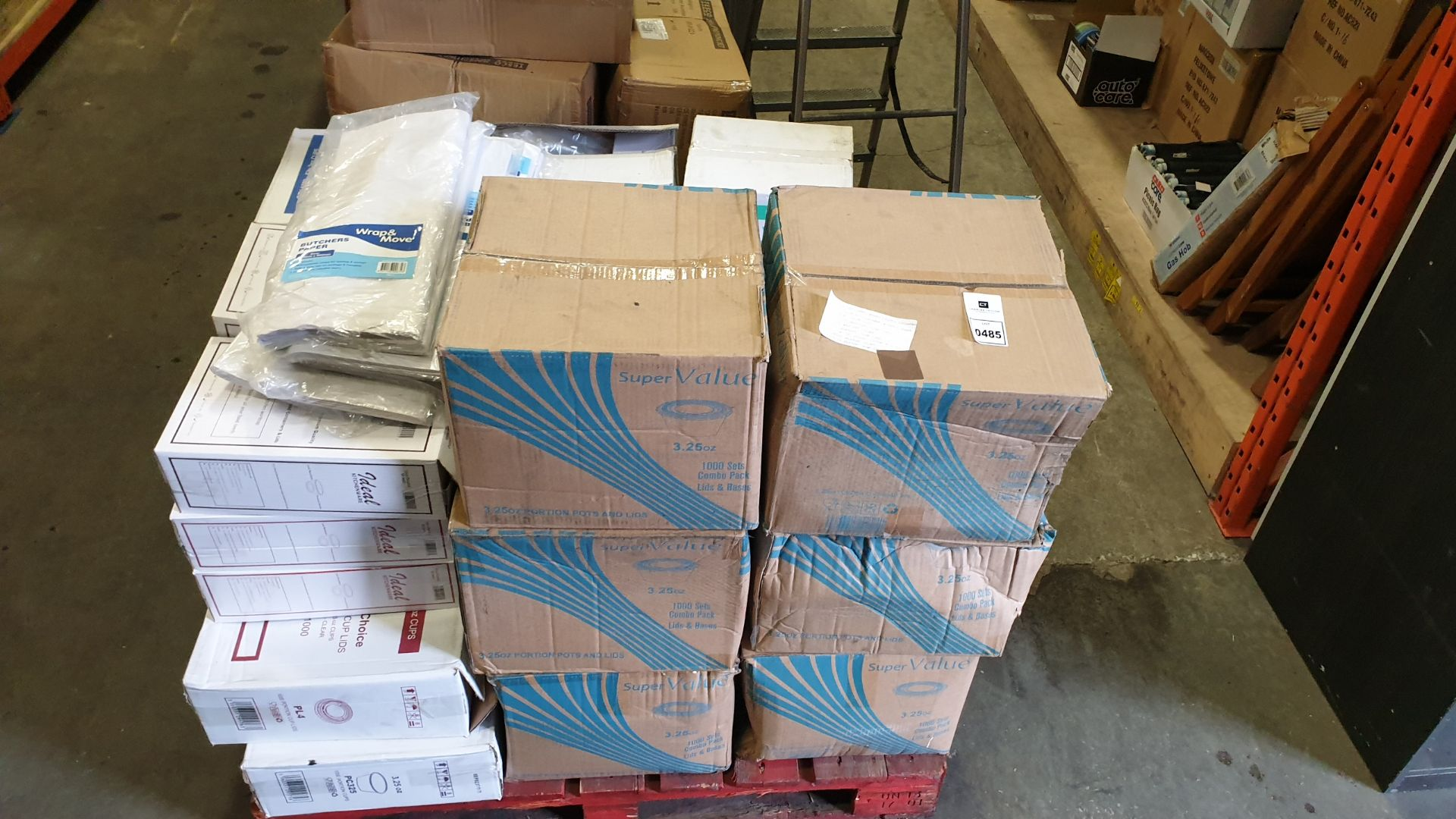 Lot 485 - APPROXIMATELY 27,500 ITEMS CONTAINED ON ONE PALLET TO INCLUDE, 6,000 SET COMBO PACKS (3.25oz LIDS