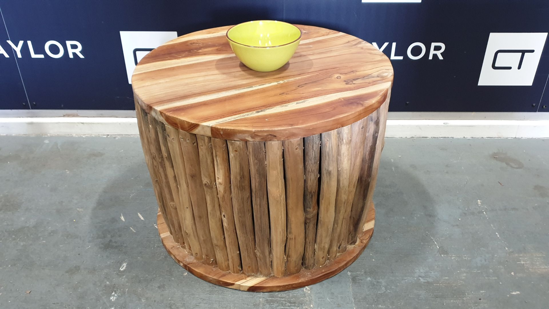 BRAND NEW SOLID WOODEN TEAK BRANCH 5 PIECE SET COFFEE TABLE AND 4 STOOLS DIA - 70cm X 50cm RRP £