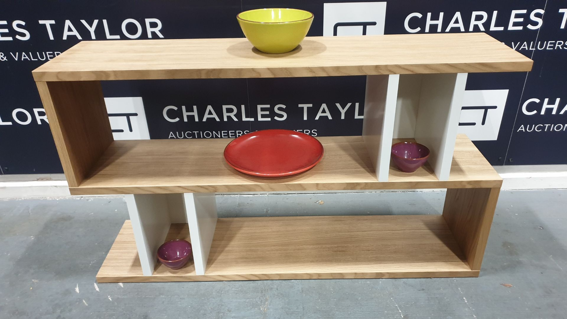 Lot 1077 - BRAND NEW BOXED CONTENT BY TERENCE CONRAN WOODEN COUNTER BALANCE, LOW SHELVING UNIT IN OAK/WHITE -