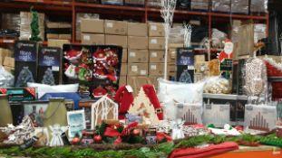 APPROX 200+ PIECE MIXED PREMIER CHRISTMAS LOT IE. FIBRE OPTIC TREES, 20CM CANDLEBRIDGE, 3D LED