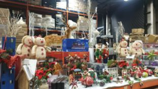 APPROX 70 PIECE MIXED PREMIER CHRISTMAS LOT CONTAINING, 60CM LARGE WOODEN NUTCRACKERS, 40CM