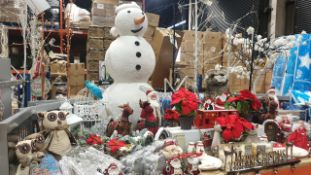 APPROX 110 PIECE MIXED PREMIER CHRISTMAS LOT CONTAINING, 1M FLUFFY SNOWMAN, ICICLE CHASER LIGHTS,