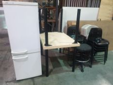 CANTEEN LOT TO INCLUDE 2 X WOODEN TABLES, 13 X PLASTIC CHAIRS AND BOSCH FRIDGE FREEZER