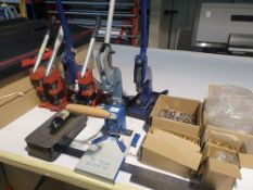 6 X HAND OPERATED HAND PRESSES, 2 X CORNER ROUNDERS AND VARIOUS PLASTIC BRASS COLOURED AND REGULAR