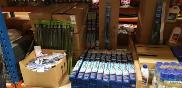 """APPROX 750+ AUTOMOBILE ACCESSORIE LOT TO INCLUDE - 700+WIPERS, 20"""" 2 CUTTABLE UNIVERSAL, (BLUECOL)"""