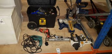APPROX 30 MIXED TOOL LOT CONTAINING OREGON DOUBLE GUARD 91 CHAINSAW, MAKITTA AND BLACK&DECKER