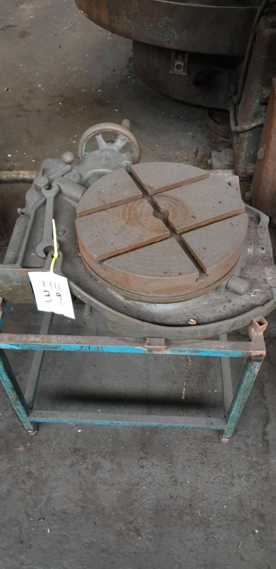 "Lot 39 - 15"" rotary table"
