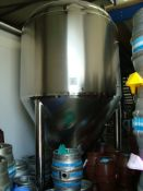 A Kunbo 4,000 litre stainless steel cylindro-conical fermenting vessel with cooling jackets, racking