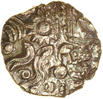 Danebury Scrolls Right Overstrike. c.55-45 BC. Belgae. Celtic gold quarter stater. 12mm. 0.92g. - Image 2 of 2