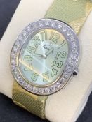 KUTCHINSKY LADIES WATCH SET WITH APPROX 3.00cts